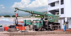 Kibri 15210 MAN 26.321 DFK with Liebherr LTF 1030-3 crane