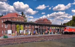 Kibri 39569 Dworzec Kienbach - peron z zadaszeniem