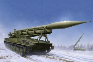 Trumpeter 09545 Radziecki zestaw rakietowy 2K6 Łuna (Frog 5) - 1:35