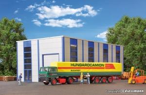 Kibri 14699 H0 Ciągnik siodłowy RABA z naczepą plandekową Hungarocamion