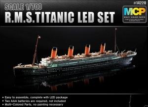 Academy 14220 R.M.S. Titanic z oświetleniem led - MCP - 1:700