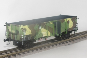 Exact-Train EX20352 Wagon towarowy odkryty Klagenfurt 7 975 Ommu (Camouflage), DRG, Ep. II
