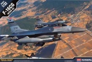 Academy 12106 F-16CG Block 40