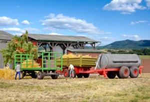 Kibri 10908 H0 Przyczepy rolnicze 3 szt.