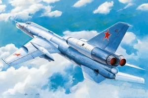 Trumpeter 01695 Samolot bombowy Tu-22 Blinder - 1:72