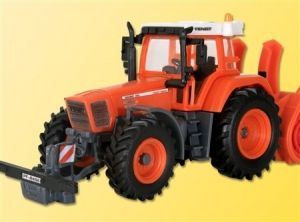 Traktor Fendt Vario Favorit 926 z pługiem wirnikowym