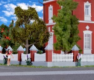 Kibri 38630 H0 Drewniane ogrodzenie z murkiem 77 cm