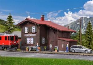 Kibri 39493 Stacja kolejowa Davos-Monstein z oświetleniem LED