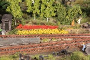 Paski trawy żółtej, czerwonej 10 mm, 8 szt.