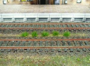 Heki 1803 Kępy trawy ciemnozielonej 5-6 mm, 100 szt.
