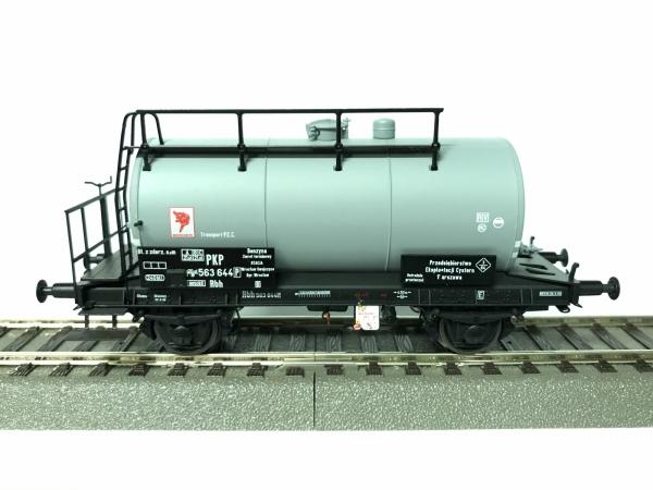 Exact-Train EX20544 Wagon cysterna 24m3 Uerdinger, Rbh 563 644, PKP, Ep. III