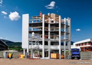 Kibri 38537 Plac budowy - budynek i akcesoria